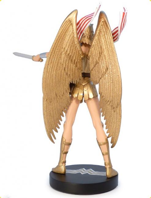 armored wonder woman cover girls pin up statue. Black Bedroom Furniture Sets. Home Design Ideas